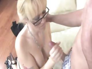 cougar slut is giving a tugjob