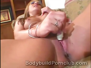 lustful cougar blonde bodybuilder italia plays