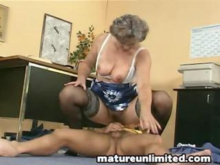 milfs fisting her fat bushy pussy