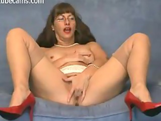 very slutty mature babe fisting her delightful