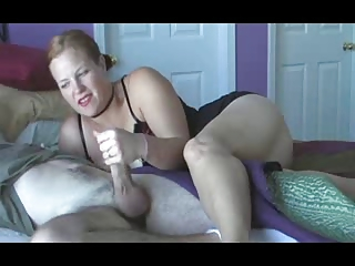 lady wake up handjob