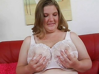 aroused chubby pale momma with large tits plays