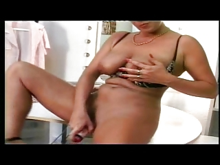 shorthaired german woman dildoing