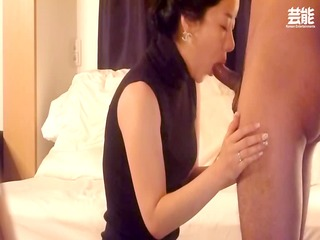 eastern  housewife blowjob and pierce part 1