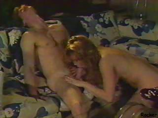 vintage mature babe cave plugging pleasure with