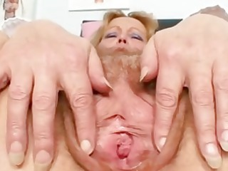 nasty cougar lady devices her hair