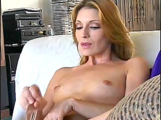 beautiful aged cougar masturbates with