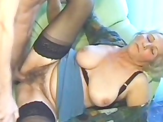 old inexperienced cougar housewife sucks and