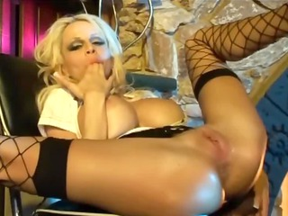busty pale mature babe does ass into fishnet