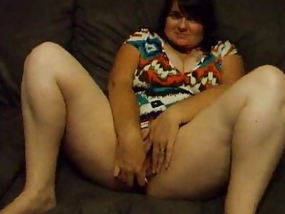 heavy housewife joanne pushing dildo and