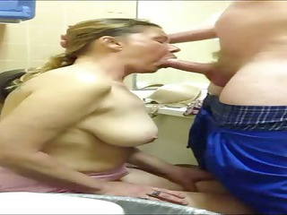 lady suck penis and deepthroat